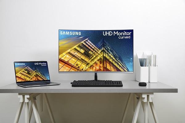 Samsung UR95C