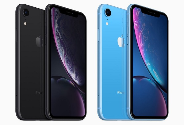Smartfón Apple iPhone XR.